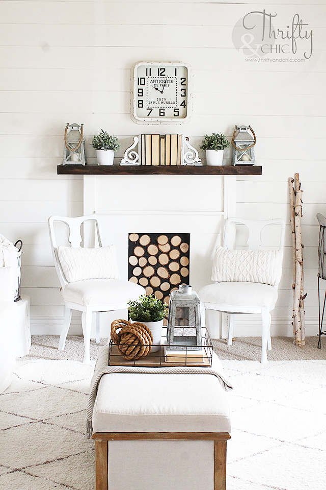 White and neutral cottage farmhouse living room decor and decorating ideas. Living room diy shiplap walls. Fixer upper style living room
