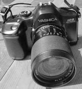 Yashica 109 MP tampak depan