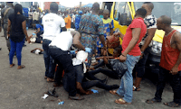 LAGOS: 3 DIE, AS BILLBOARD FALLS ON COMMERCIAL BUS