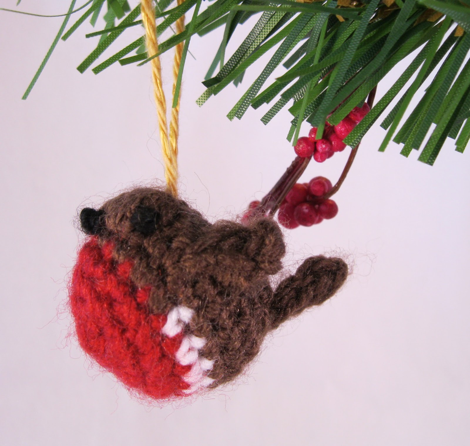 Knitting Pattern Christmas Robin : LucyRavenscar - Crochet Creatures: Yarn party, and ideas for Christmas