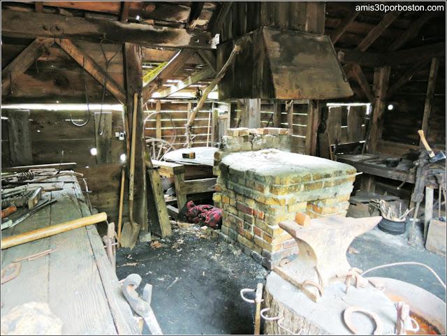 Herrería en la Pioneer Village de Salem