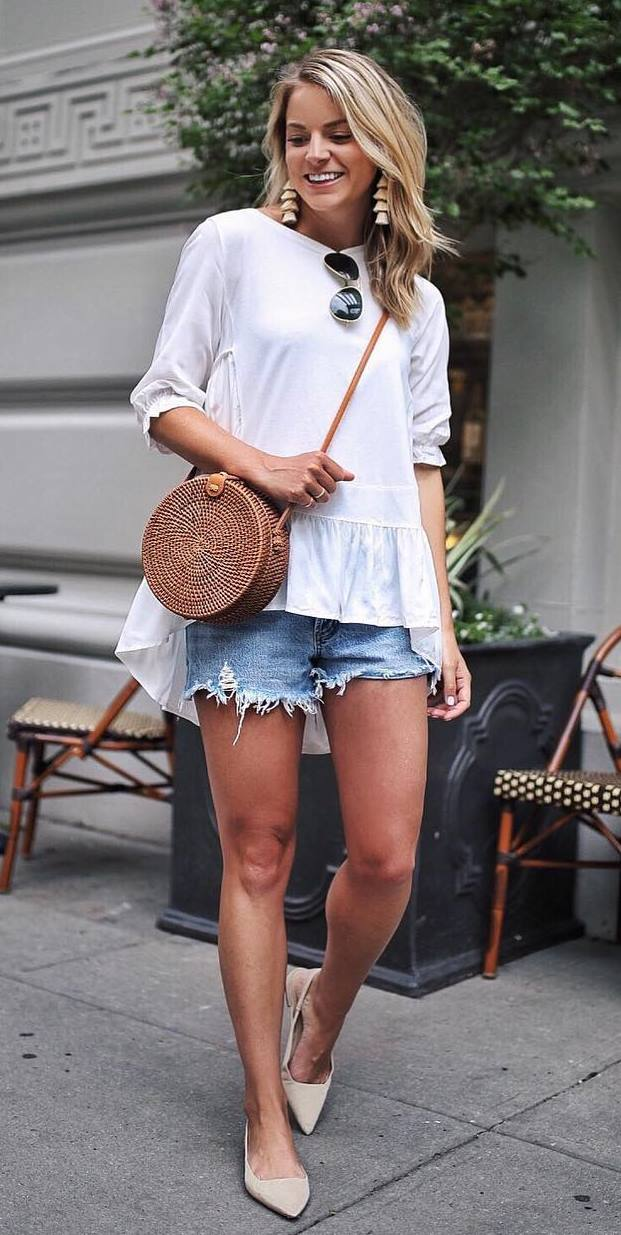 what to wear with a round bag : top + denim shorts + beige flats