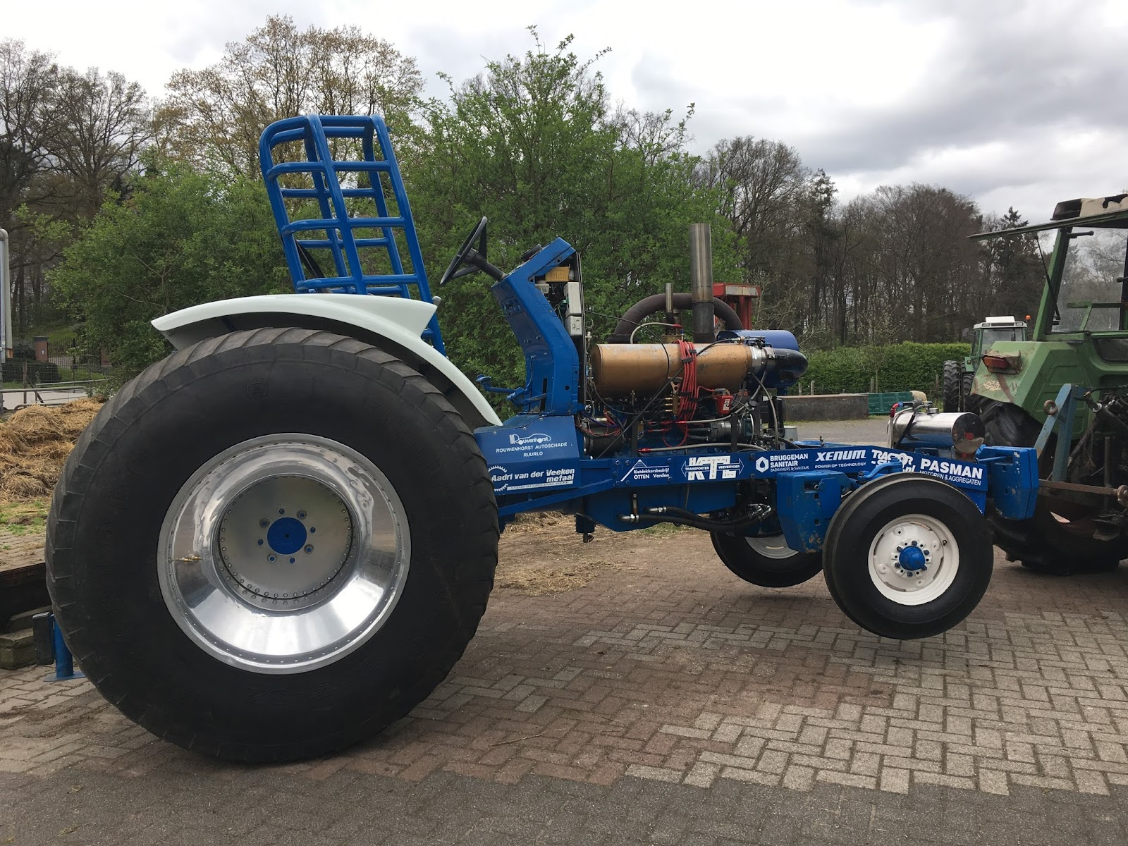 Tractor Pulling Tractor : Tractor pulling news pullingworld changes on iessel