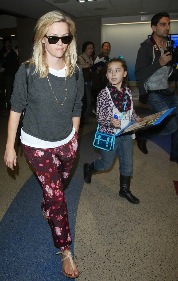Where is the sympathy? Reese Witherspoon ignores request for autograph of fan