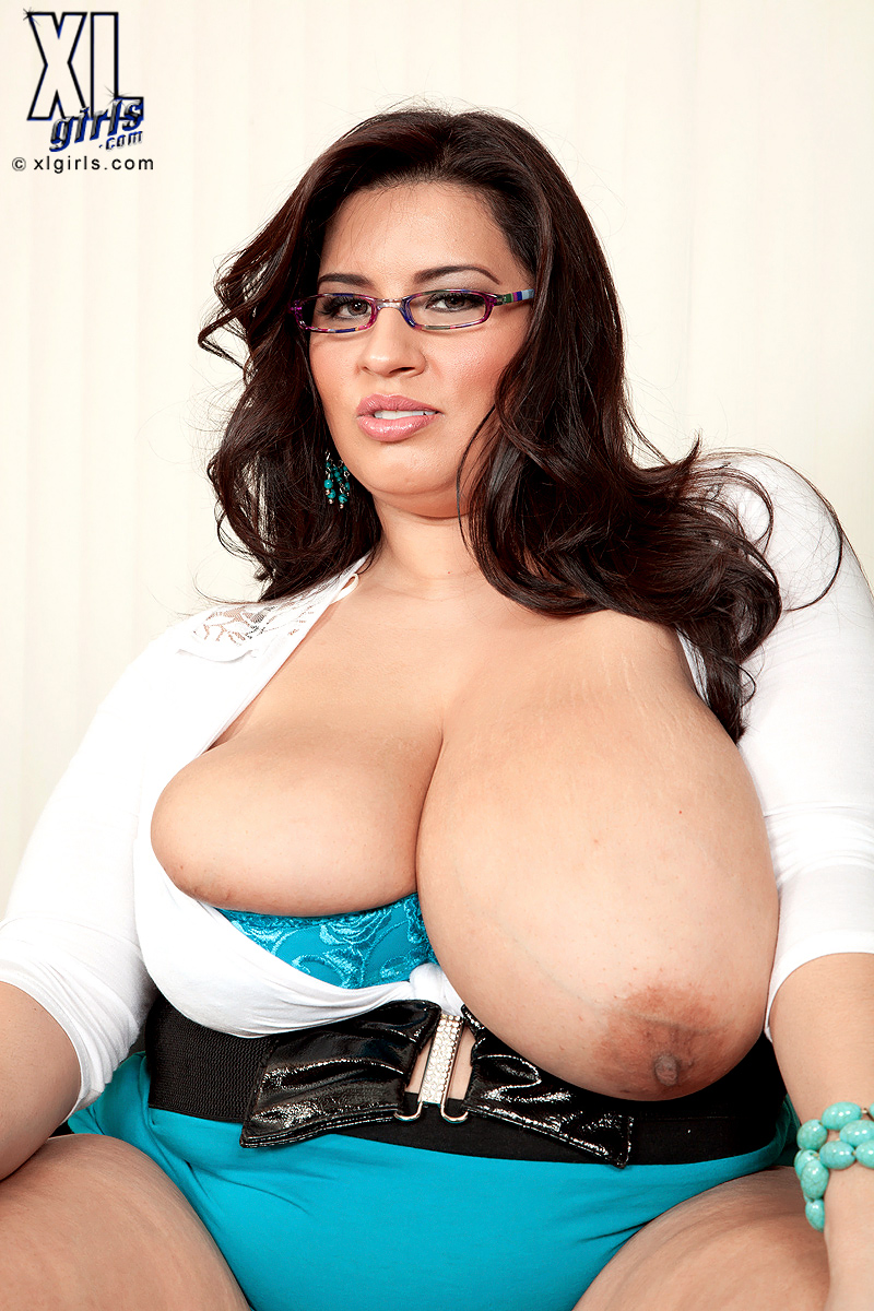Sofia rose boobs