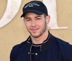 Nick Jonas lança parceria com Robin Schulz
