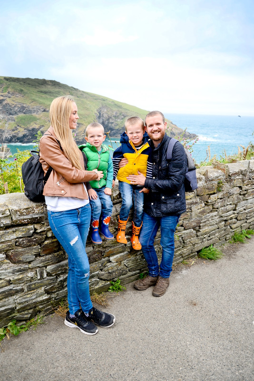 port issac, port isaac doc martin, uk family holidays with kids, cornwall days out with the kids, family travel uk,
