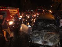 Mobil Warga Boja Terbakar saat Antar Anaknya ke Pesantren di Kajen Pati