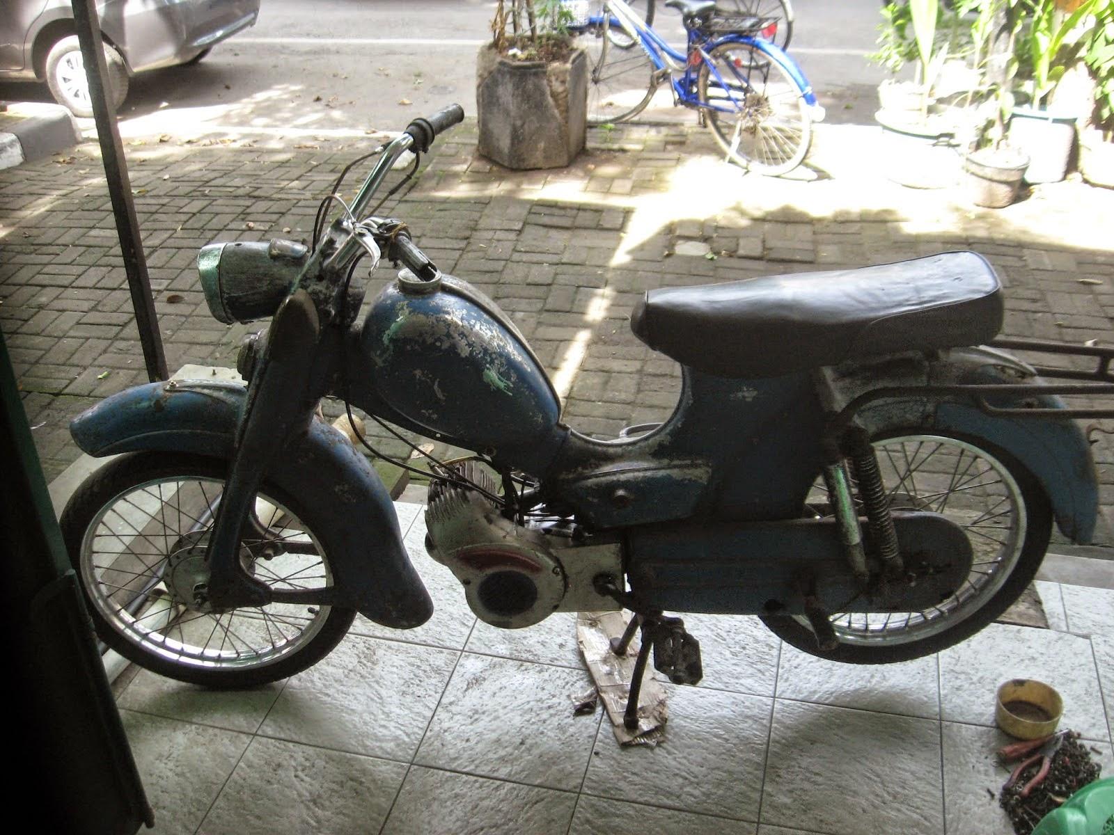 Dijual Motor Sepeda Antik ZUNDAPP PURWODADI LAPAK MOBIL DAN