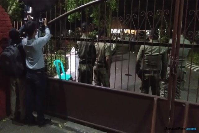 KPK tangkap Bupati Cirebon. Pendopo dijaga ketat oleh Satpol PP