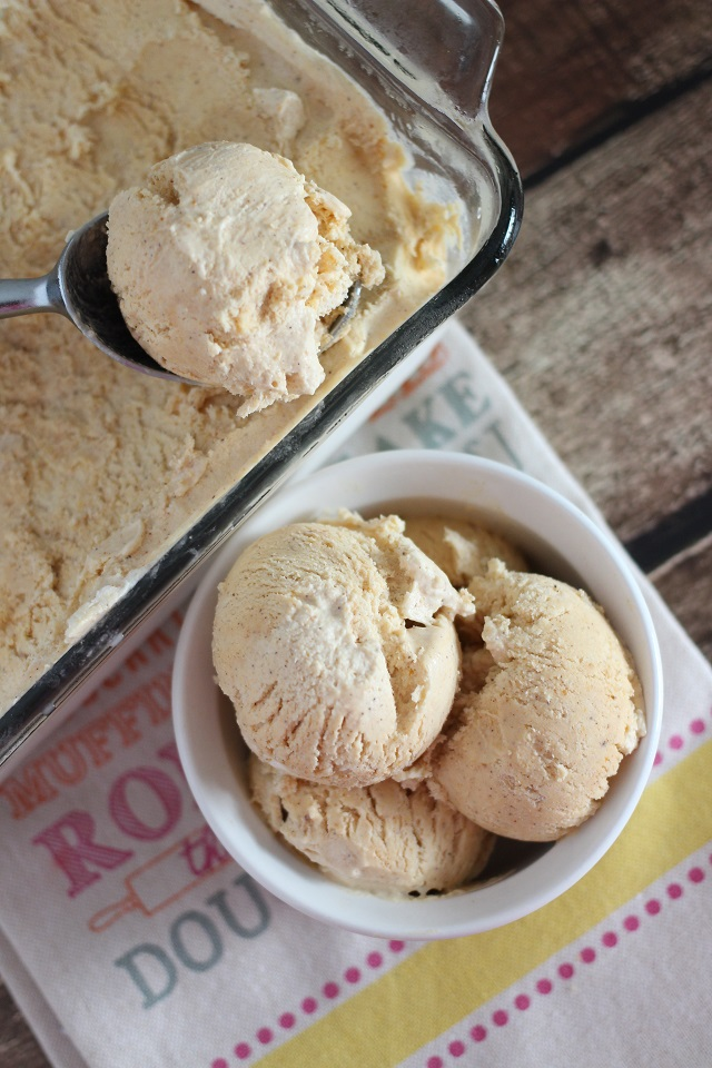 Pumpkin Spice Ice Cream (No Churn)