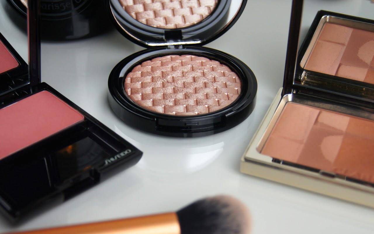valentine's makeup look glowing skin