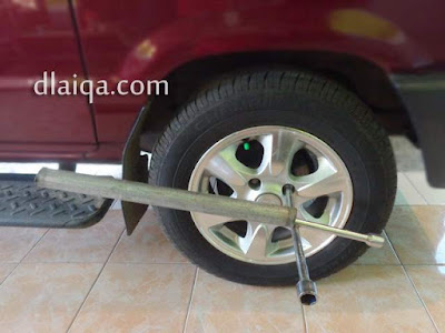 kencangkan mur roda