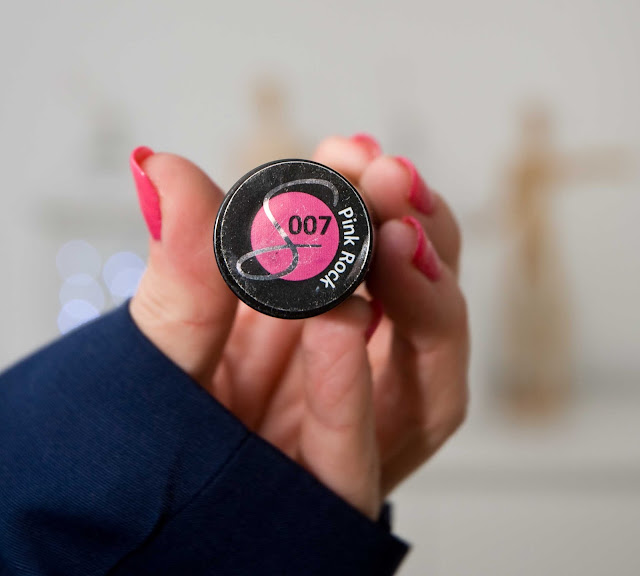 soczysty róż lakier do paznokci Semilac 007 Pink Rock
