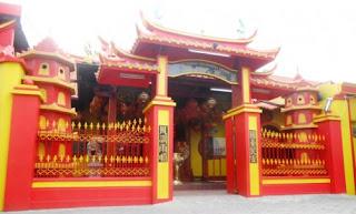 Klenteng tempat ibadah agama Kong Hu Cu wisataarea.com