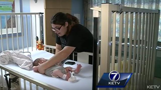 Bayinya Menangis Kesakitan, Ibu ini Baru Sadar Kalau Hal itu Karena Kulkas