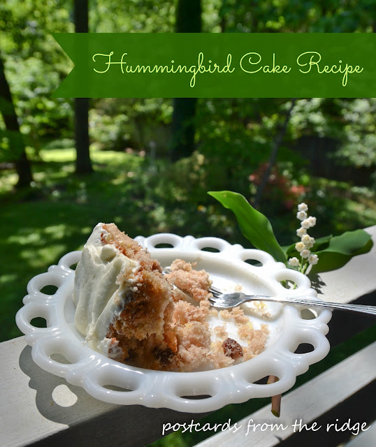 Hummingbird Cake Recipe.  This is so yummy!