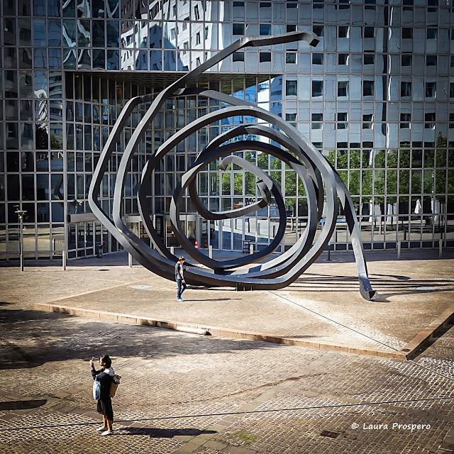Doubles lignes indéterminées - Obra de Bernar Venet © Laura Prospero