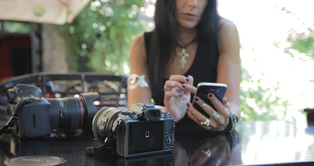 Canon EOS M5 Mirrorless Camera with Canon DSLR Digital Camera