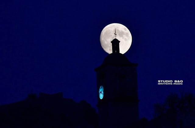 """""""Αύγουστος και Μνημεία"""" και  """"Λευκή Νύχτα"""" με πανσέληνο στο Ναύπλιο (βίντεο)"""