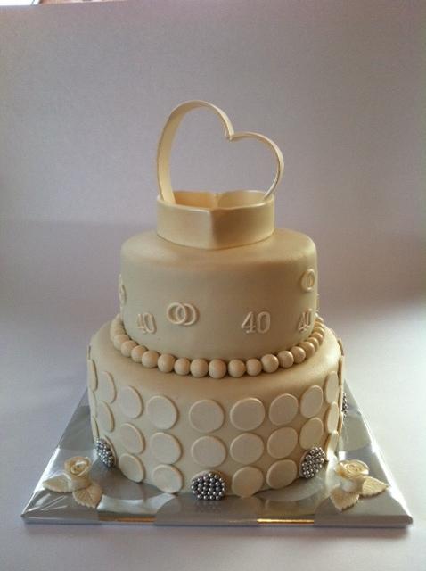 taart 40 jaar getrouwd Bruidstaart 40 jaar getrouwd | Taarten; Gemaakt door Jonne taart 40 jaar getrouwd