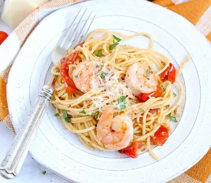 GARLIC TOMATO & SHRIMP PASTA