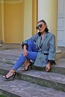 https://www.karyn.pl/2018/09/wzorzaste-kimono-i-czarne-szpilki.html
