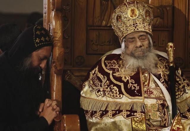 Fundamentalis Islam di Mesir Bahagia dengan Wafatnya Paus Shenouda III