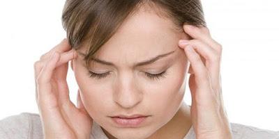सिर दर्द दूर करने के 3 घरेलू उपाय जो काफी हैं फायदेमंद