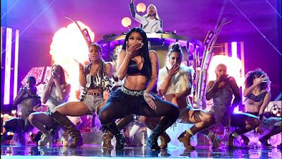 Com 85 milhões de unidades vendidas, Nicki Minaj se torna a 5º maior artista feminina no cenário musical.