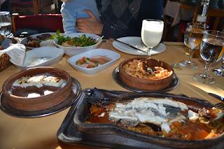 Yemek: alabalık, peynir, karides, ahtapot, İstanbuldere Alabalık Evi, Sapanca