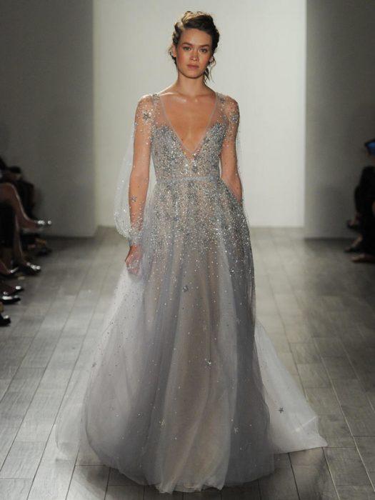 Haley Paige es la creadora de este hermoso vestido