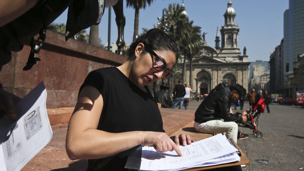 Activistas chilenos se manifestaron contra abusos sexuales de algunos clérigos / AP