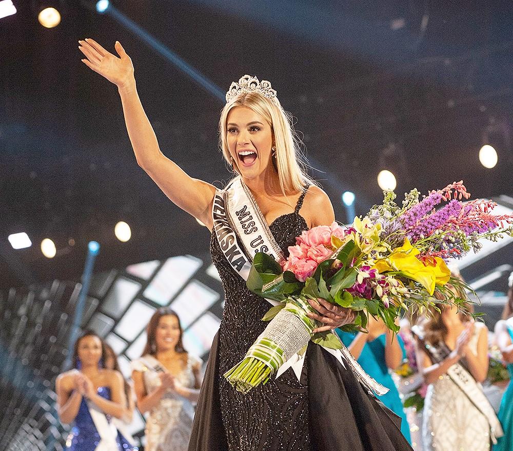 SASHES AND TIARAS..Miss Universe 2011 Preliminaries