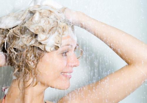 Làm sao để không bị rụng tóc sau sinh?