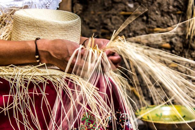 Artesanías de Cuenca - Sombrero de Paja Toquilla