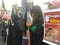 Hukum Wanita Muslimah Ikut Demo