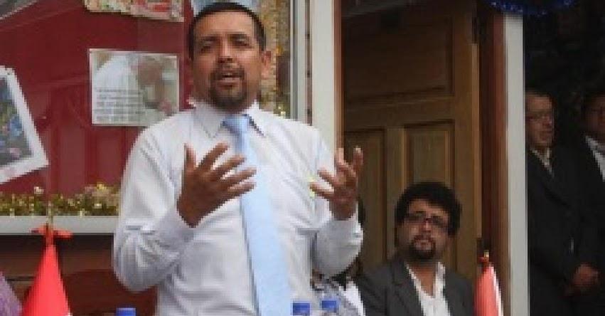 Designan a nuevo director en la DRE Amazonas (Edgar Moisés Julca Chuquista) www.drea.gob.pe