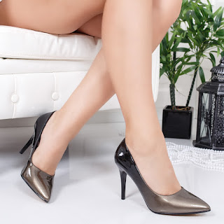 Pantofi Luvieta aurii cu negru
