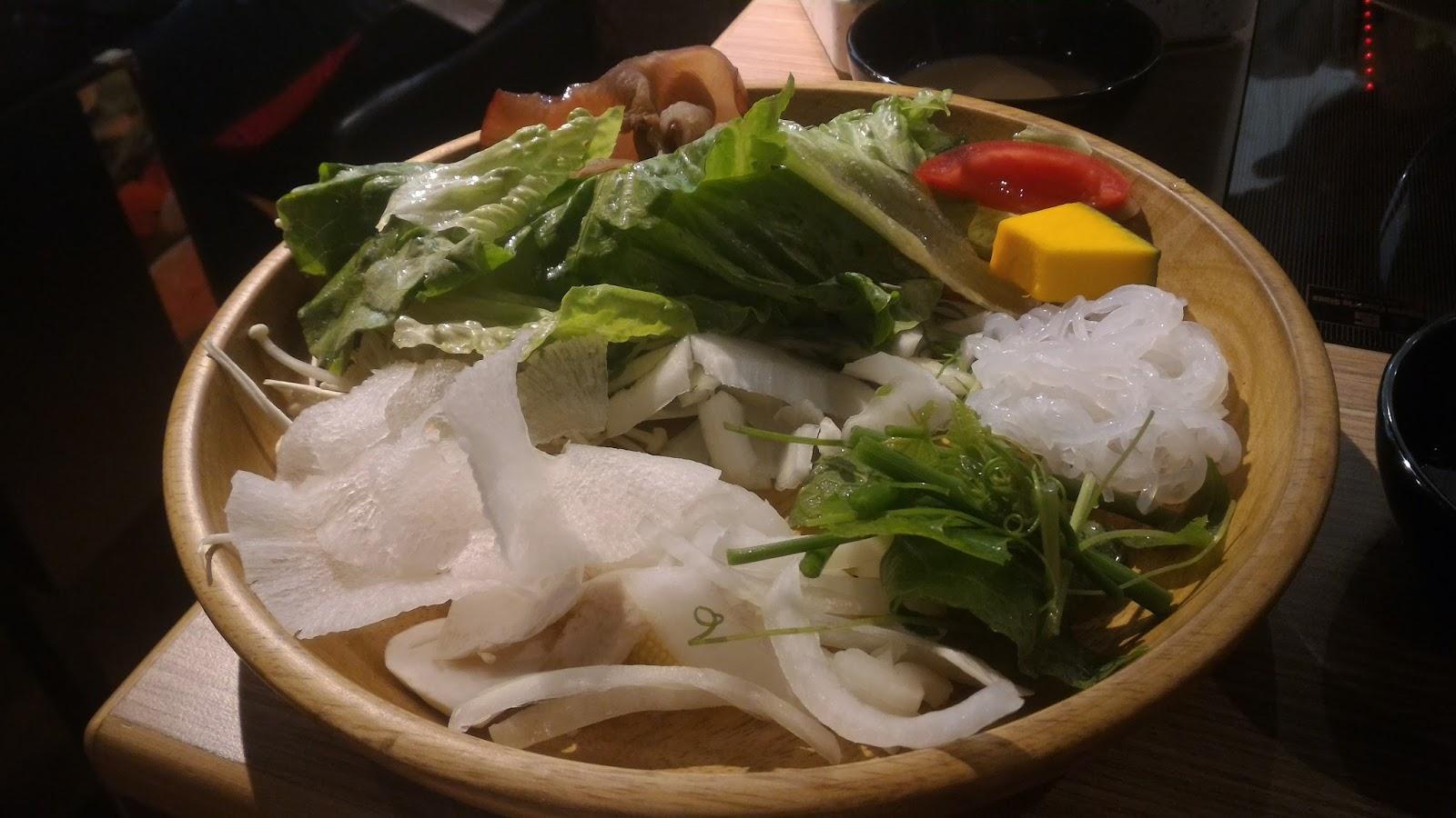 P 20161016 191047 - 【台南東區】涮乃葉吃到飽日式涮涮鍋 - 新鮮蔬菜與手工拉麵,還有超濃郁的霜淇淋!