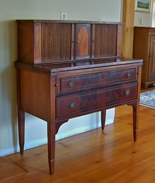 Antique Federal Desk Mahogany