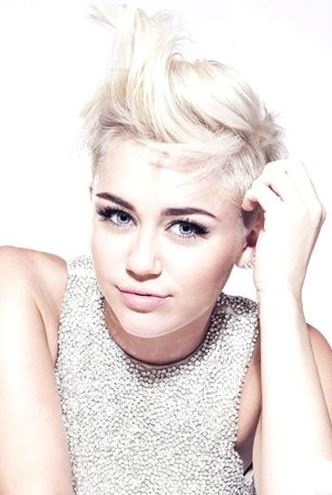 Foto de Miley Cyrus con nuevo look