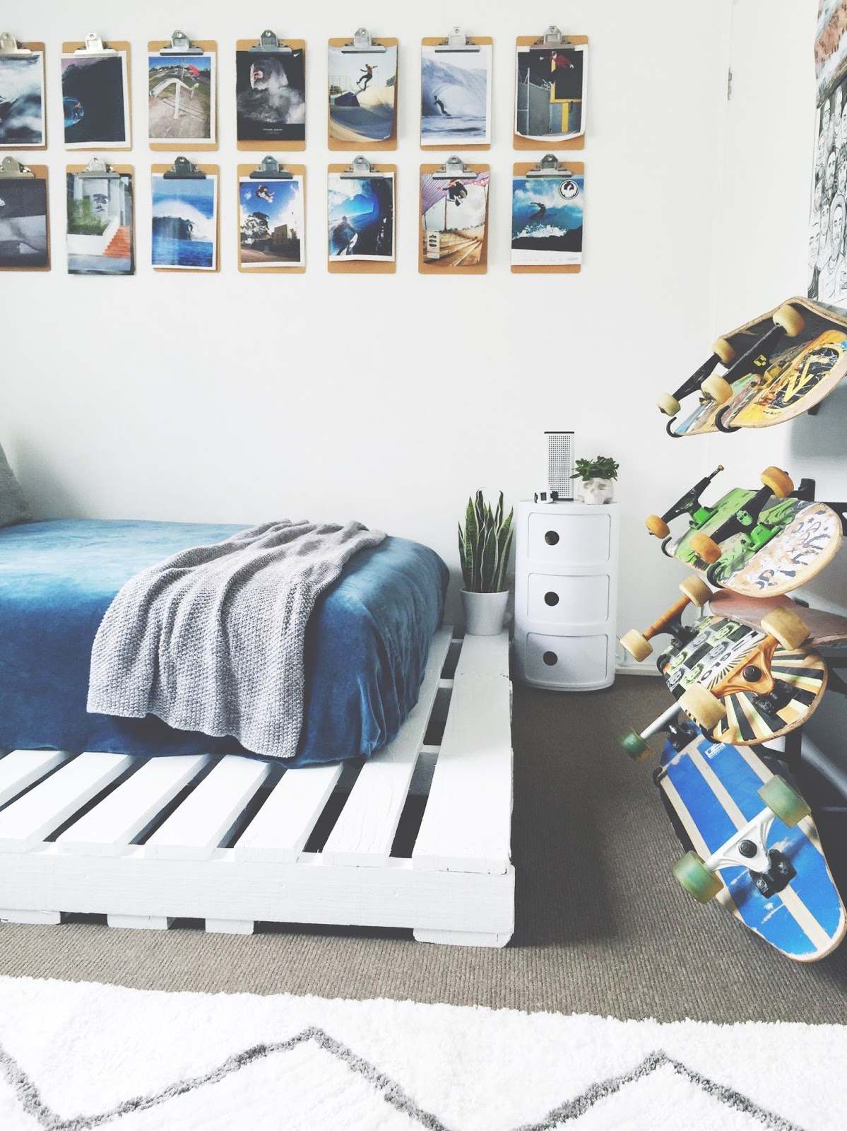 honey and fizz: Teen Bedroom - Finn's Room Makeover ... on Pallet Bed Room  id=83459