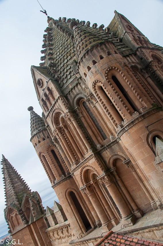 Vista del Cimborrio de la catedral vieja de Salamanca