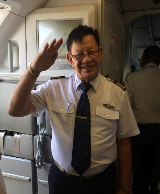 Pilot Made Everyone Cry As He Announced His Last Flight.