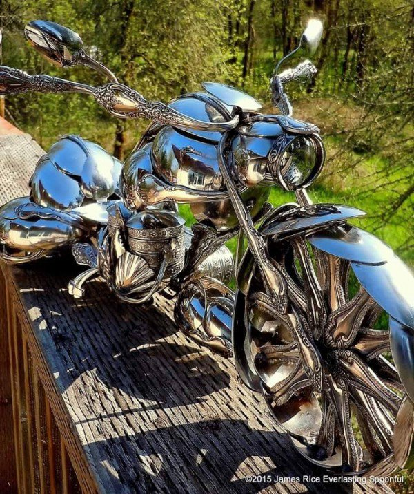 06-Jim-Rice-Chopper-Motorcycle-Sculptures-made-from-Spoons-www-designstack-co
