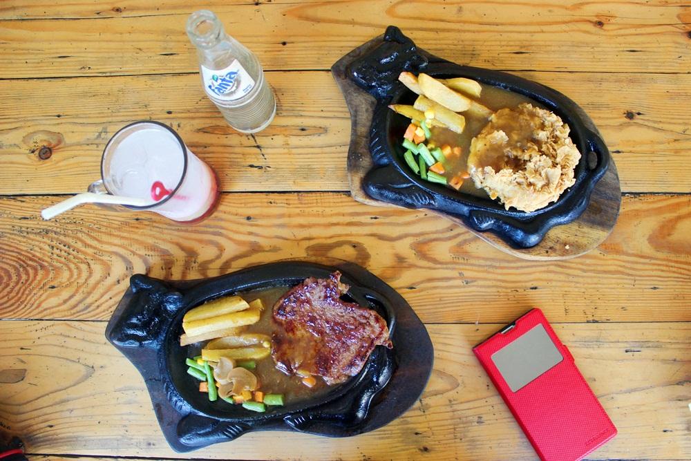 Elvira Indah Gayatri: Kampoeng Steak Surabaya