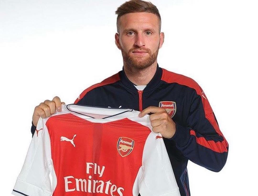 Leak photo of Shkodran Mustafi in Arsenal jersey ShowMeSport