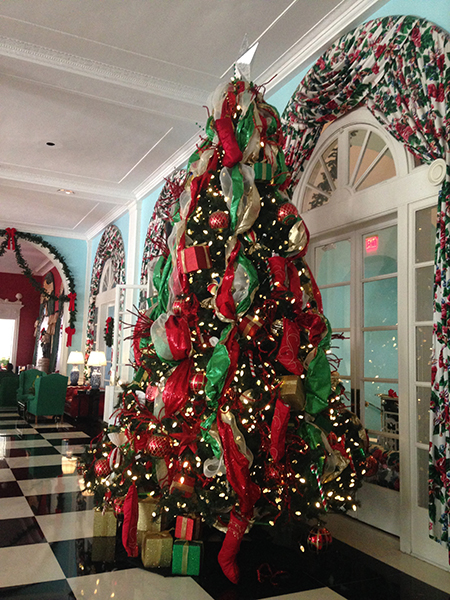 Aesthetic Oiseau: Greenbrier Christmas