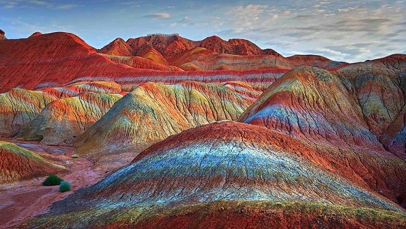 Sitio Espectacular Cromático, Montañas de Colores en Danxia, China 2